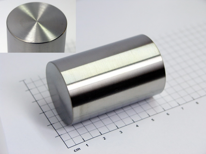 Zirconium cylinder Ø 35 x 55mm – 99.95% purity – 340 grams