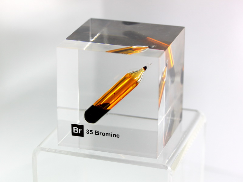 Acrylic Element cube – Bromine Br – 50mm