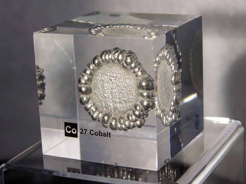 Acrylic Element cube – Cobalt Co – 50mm