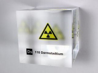 Acrylic Element cube - Darmstadtium - 50mm