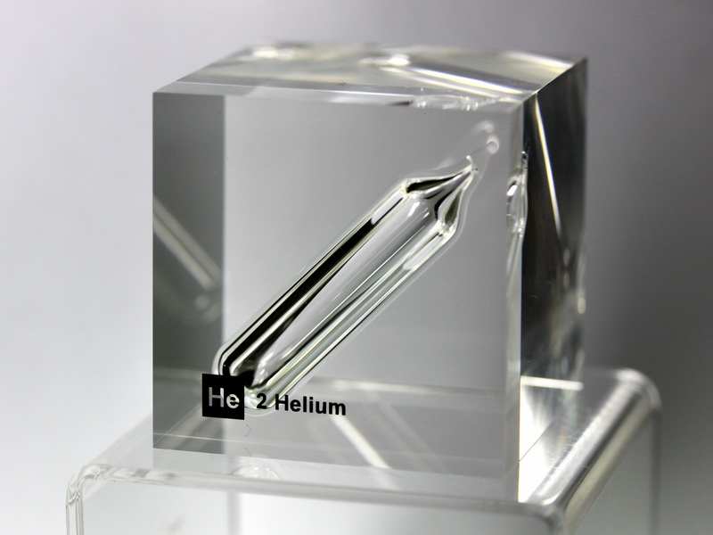 Acrylic Element cube – He Helium – 50mm