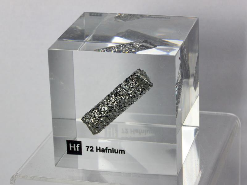 Acrylic Element cube – Hafnium Hf – 50mm