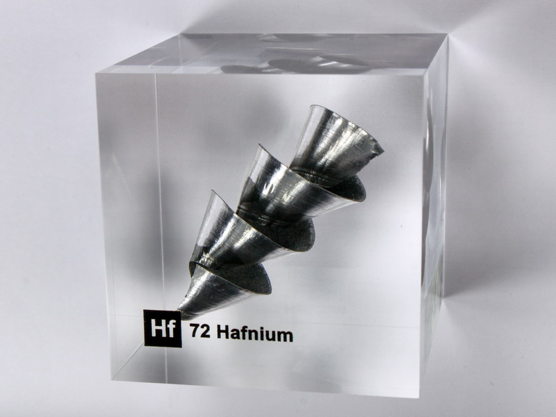Acrylic Element cube – Hafnium Hf – 50mm