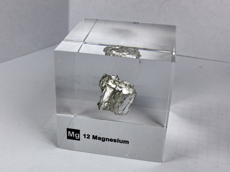 Acrylic Element cube – Magnesium Mg – 50mm