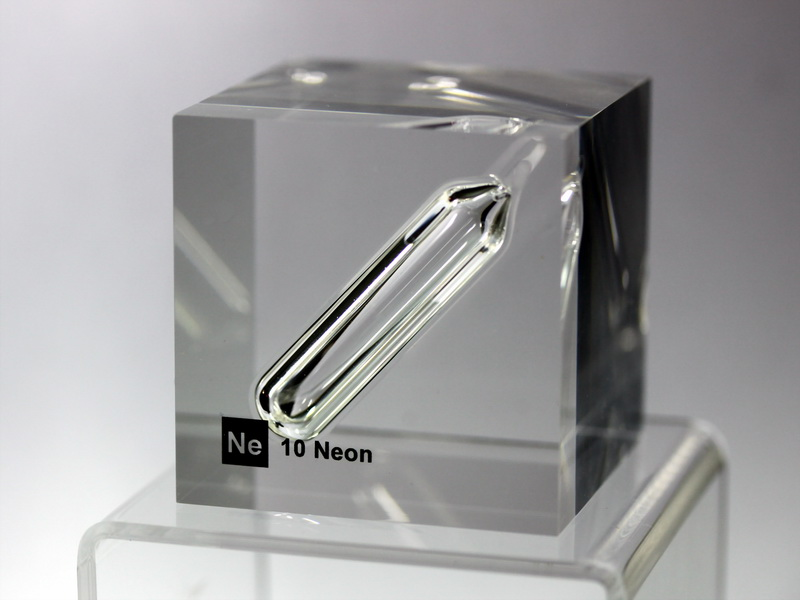 Acrylic Element cube – Neon Ne – 50mm