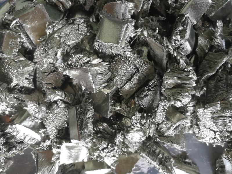 Pure Scandium metal dendritic crystalline 99,99%