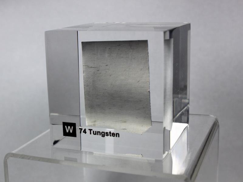 Acrylic Element cube – Tungsten W – 50mm