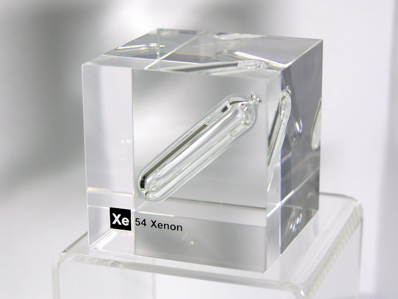 Acrylic Element cube – Xenon (gas) Xe – 50mm