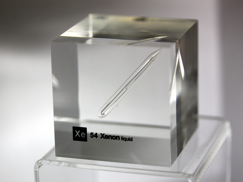 Acrylic Element-block Xenon (liquified) Xe – 50mm