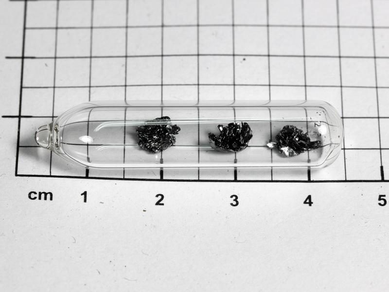 Black Phosphorus – crystal  pieces –  100mg in ampoule